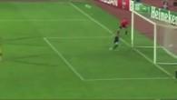 Le défenseur arrête un penalty!