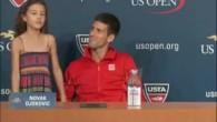 Djokovic invite une petite fille en conférence de presse