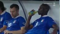 Balotelli recrache sa boisson