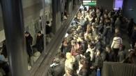 Le M2 aux heures de pointe à la gare
