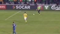 Ibrahimovic marque le but gag de l'année