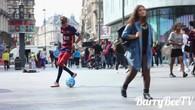 Le sosie de Neymar emballe les filles à Londres