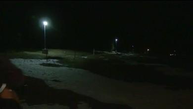 Des candélabres solaires illuminent la piste de fonds des Cluds