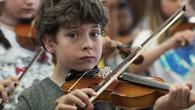 Ein Schulhaus voller Geigen