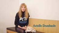 Arielle Dombasle se déshabille pour la cause végétale