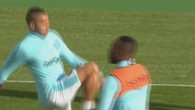Payet jongle avec son chewing-gum