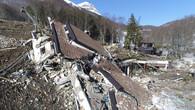 Schnee gibt zerstörtes Hotel frei