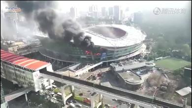 Le stade de Shanghai en feu