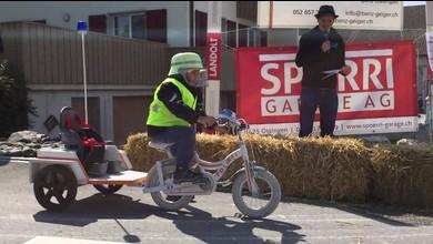 Seifenkistenrennen in Ossingen zieht Besucher an