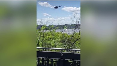 Helikopter stürzt in Hudson River